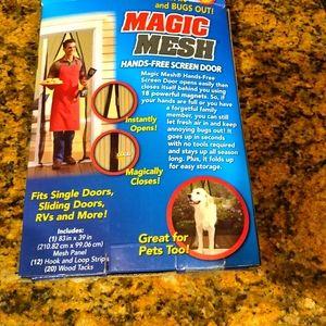 Magic Mesh - Walk thru screen door